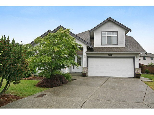 "Main Photo: 18861 64TH Avenue in Surrey: Cloverdale BC House for sale in ""CLOVERDALE"" (Cloverdale)  : MLS®# F1442792"