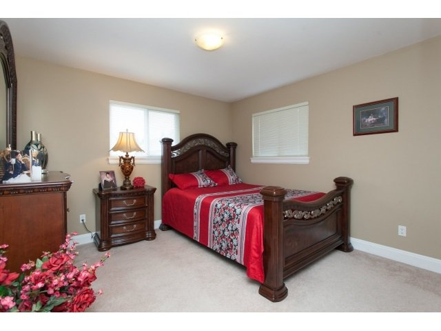 Photo 6: Photos: 14961 FRASER Highway in Surrey: Fleetwood Tynehead House for sale : MLS®# R2000597
