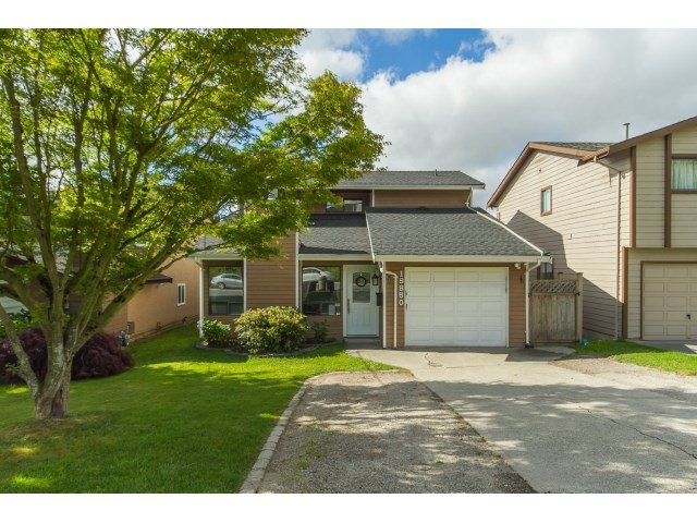 Main Photo: 19850 68TH Avenue in Langley: Willoughby Heights House for sale : MLS®# R2068159