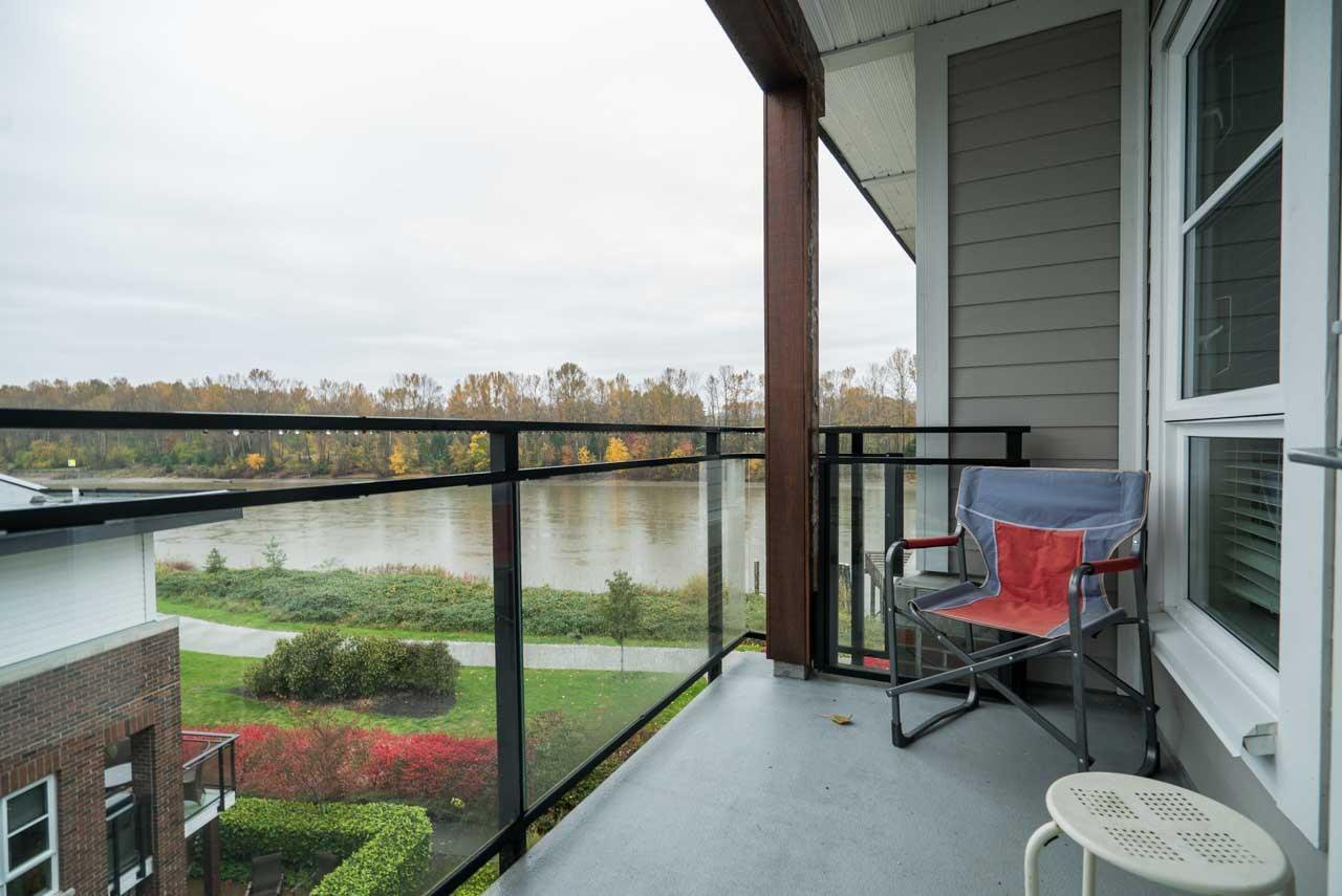 """Photo 12: Photos: 404 23215 BILLY BROWN Road in Langley: Fort Langley Condo for sale in """"WATERFRONT AT BEDFORD LANDING"""" : MLS®# R2119183"""