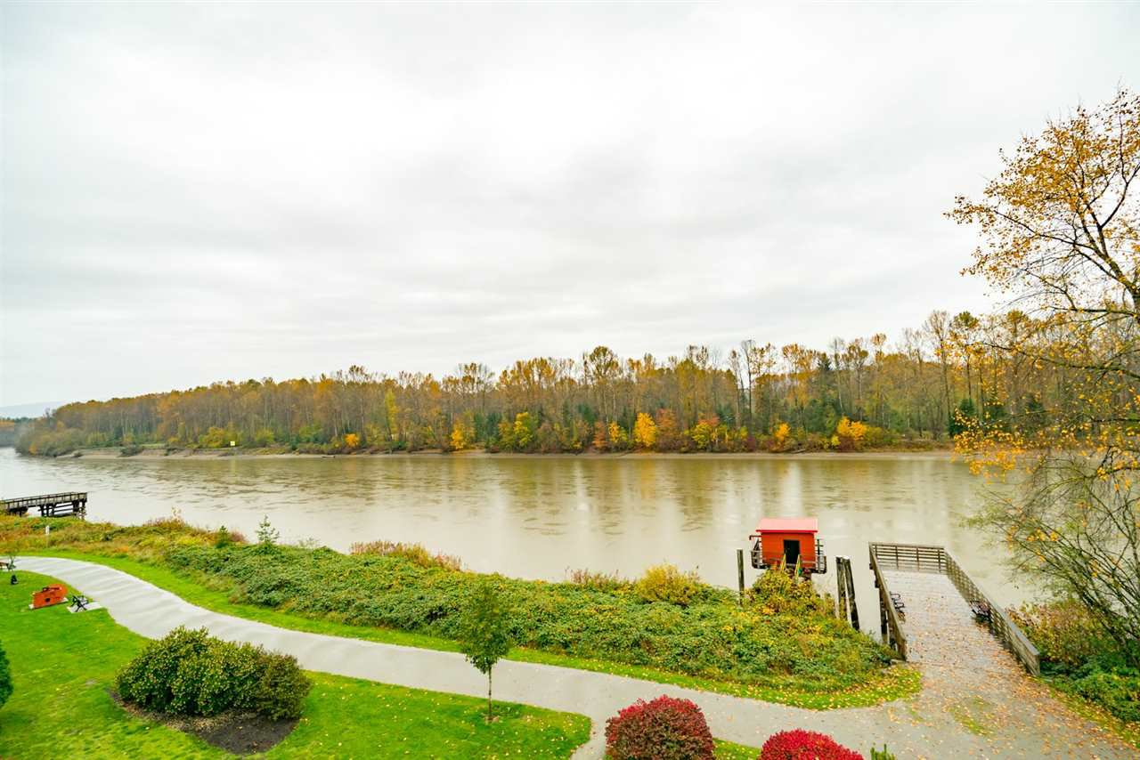 """Photo 2: Photos: 404 23215 BILLY BROWN Road in Langley: Fort Langley Condo for sale in """"WATERFRONT AT BEDFORD LANDING"""" : MLS®# R2119183"""