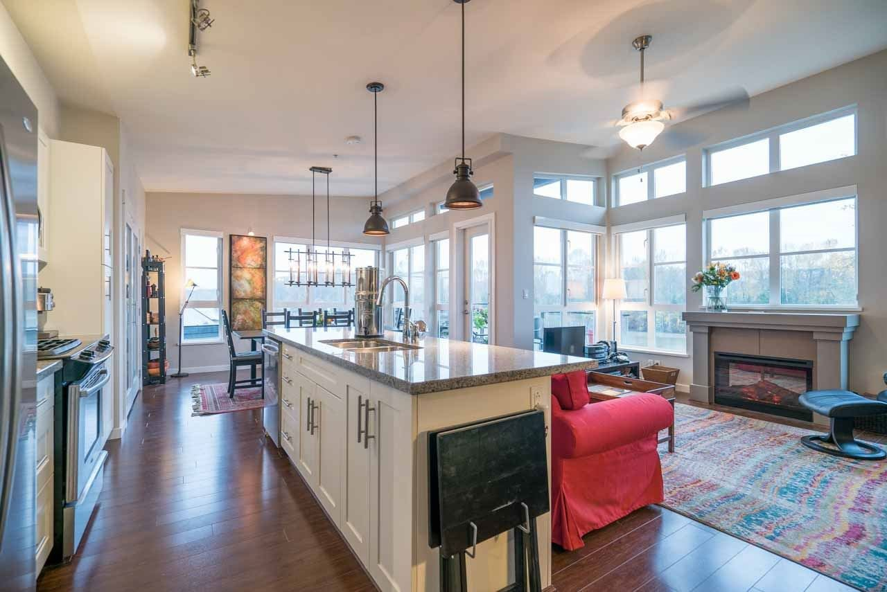 """Photo 5: Photos: 404 23215 BILLY BROWN Road in Langley: Fort Langley Condo for sale in """"WATERFRONT AT BEDFORD LANDING"""" : MLS®# R2119183"""
