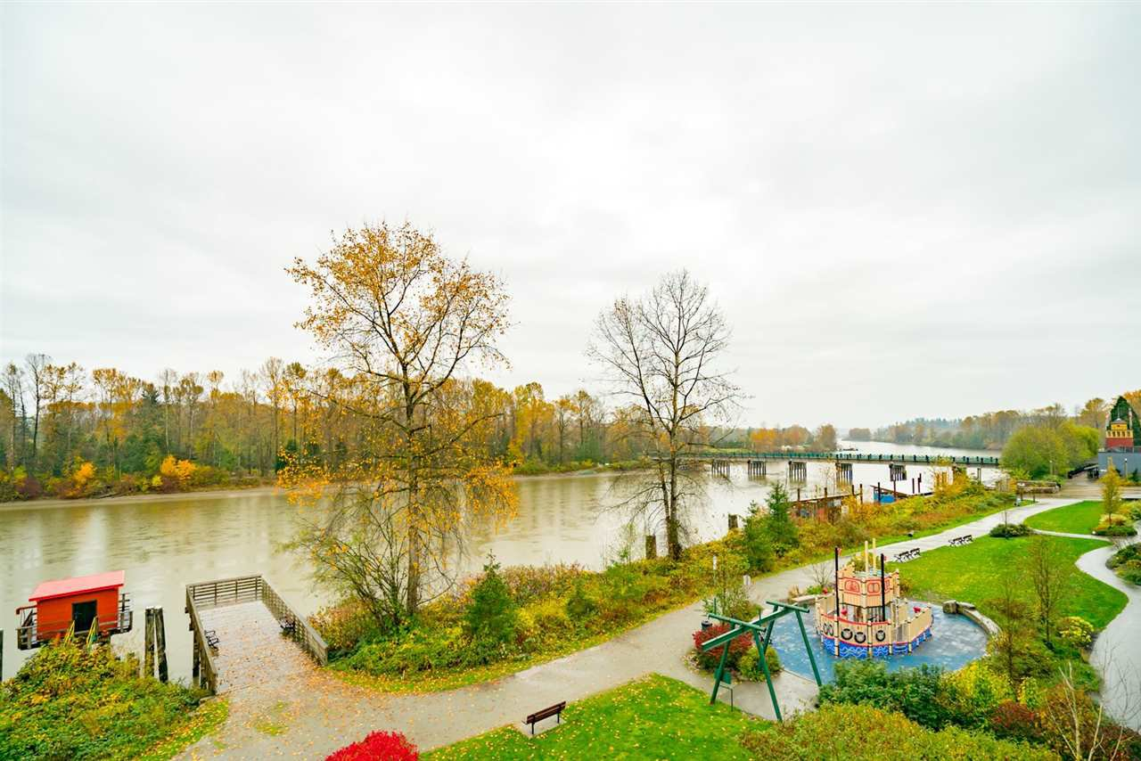 """Photo 3: Photos: 404 23215 BILLY BROWN Road in Langley: Fort Langley Condo for sale in """"WATERFRONT AT BEDFORD LANDING"""" : MLS®# R2119183"""