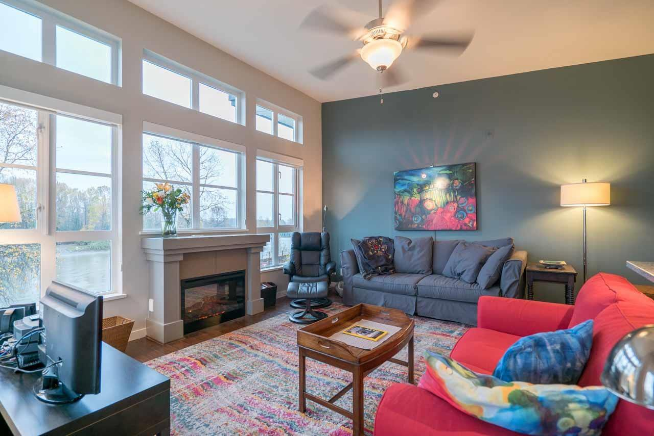 """Photo 6: Photos: 404 23215 BILLY BROWN Road in Langley: Fort Langley Condo for sale in """"WATERFRONT AT BEDFORD LANDING"""" : MLS®# R2119183"""