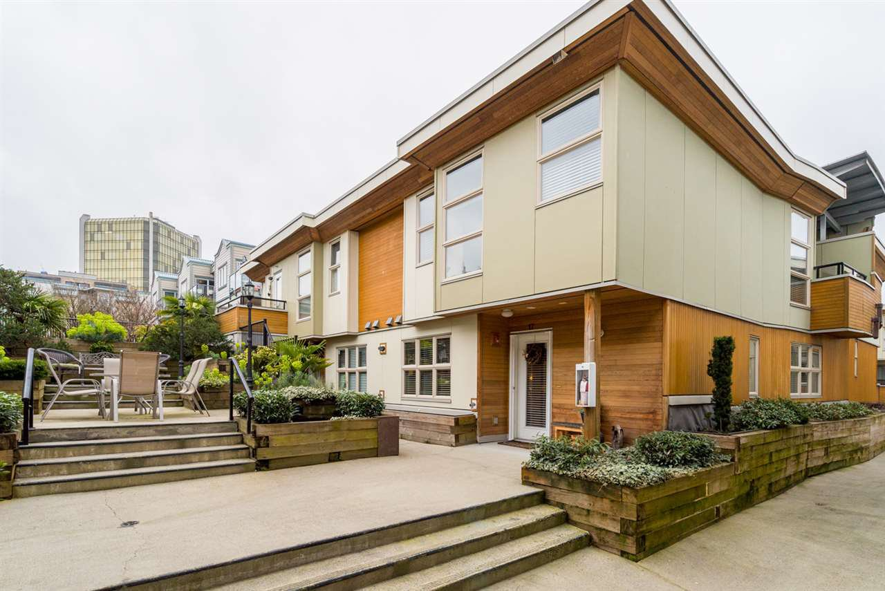 """Main Photo: 17 628 W 6TH Avenue in Vancouver: Fairview VW Townhouse for sale in """"Stella Del Fiordo"""" (Vancouver West)  : MLS®# R2155688"""