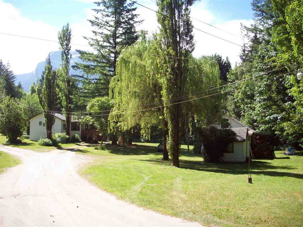 Main Photo: 22200 TRANS CANADA HIGHWAY in Hope: Hope Center House for sale : MLS®# R2193371