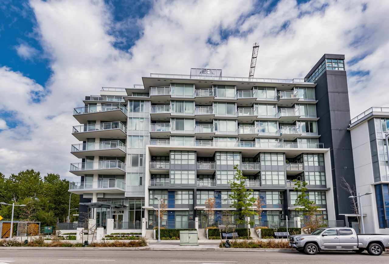 "Main Photo: 901 8633 CAPSTAN Way in Richmond: West Cambie Condo for sale in ""PINNACLE LIVING AT CAPSTAN VILLA"" : MLS®# R2196766"