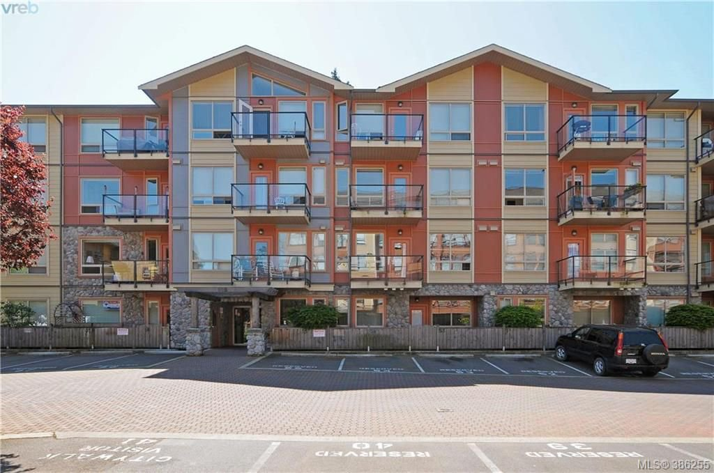 Main Photo: 107 825 Goldstream Ave in VICTORIA: La Langford Proper Condo for sale (Langford)  : MLS®# 776200