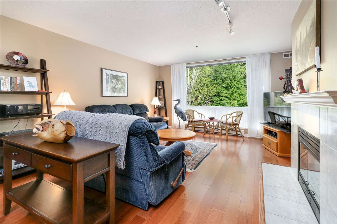 """Photo 4: Photos: 210 19142 122 Avenue in Pitt Meadows: Central Meadows Condo for sale in """"Parkwood Manor"""" : MLS®# R2250737"""