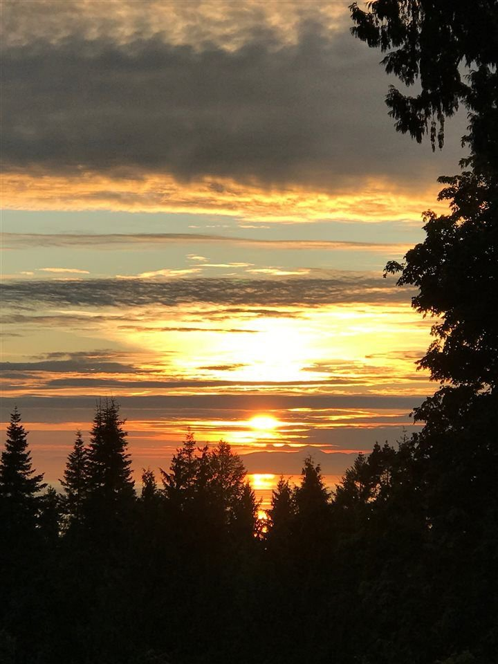 Grandview Road offers south exposure to Georgia Strait make for heavenly sunsets.  This home is a short walk to Bonniebrook beaches and close to all Gibsons amenities.