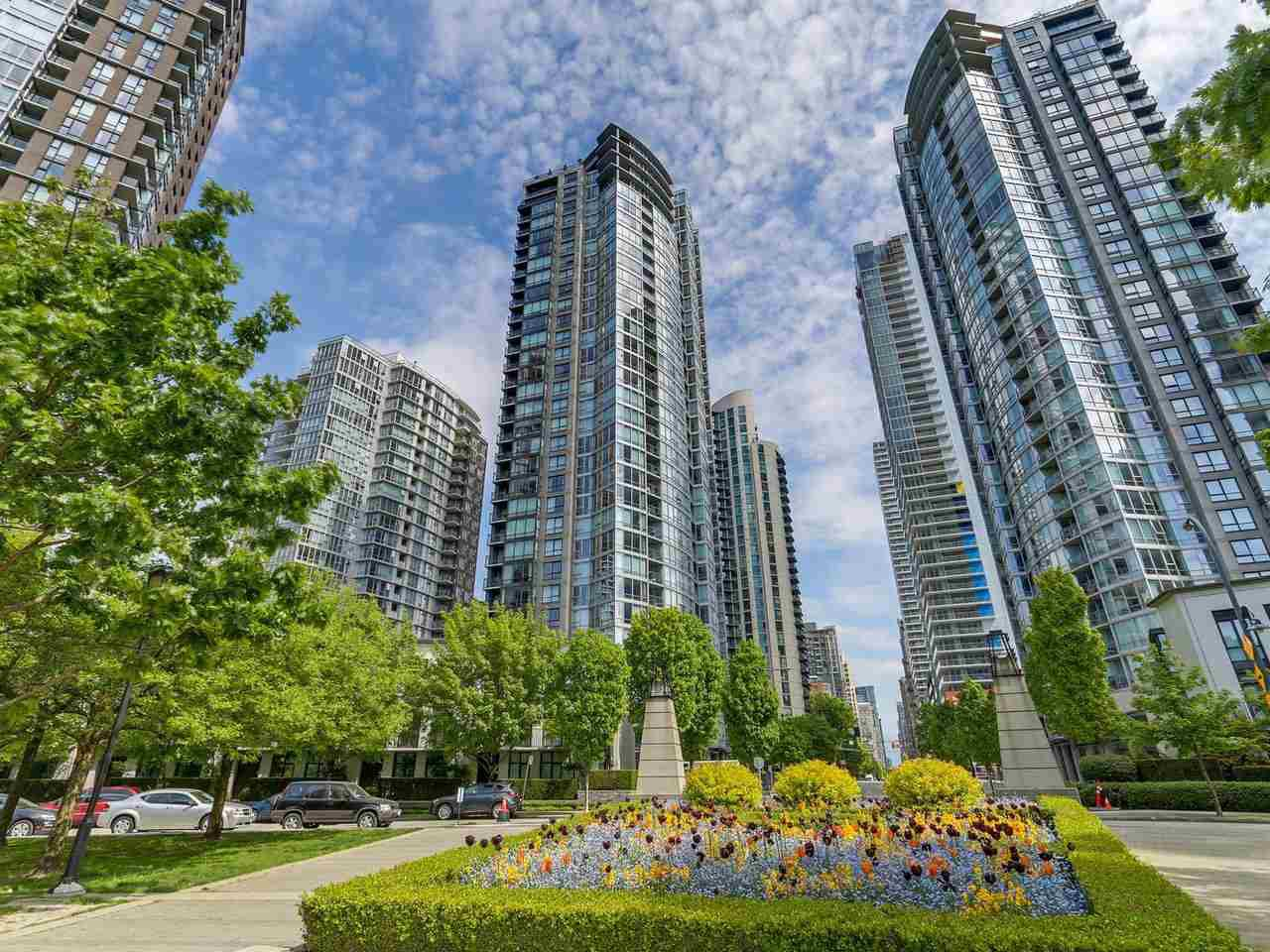 """Main Photo: 502 1495 RICHARDS Street in Vancouver: Yaletown Condo for sale in """"Yaletown"""" (Vancouver West)  : MLS®# R2264375"""