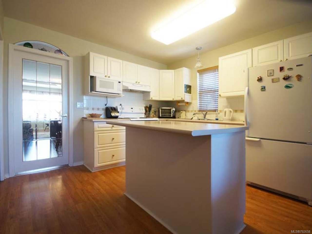 Photo 2: Photos: 893 EDGEWARE Avenue in PARKSVILLE: PQ Parksville House for sale (Parksville/Qualicum)  : MLS®# 792658