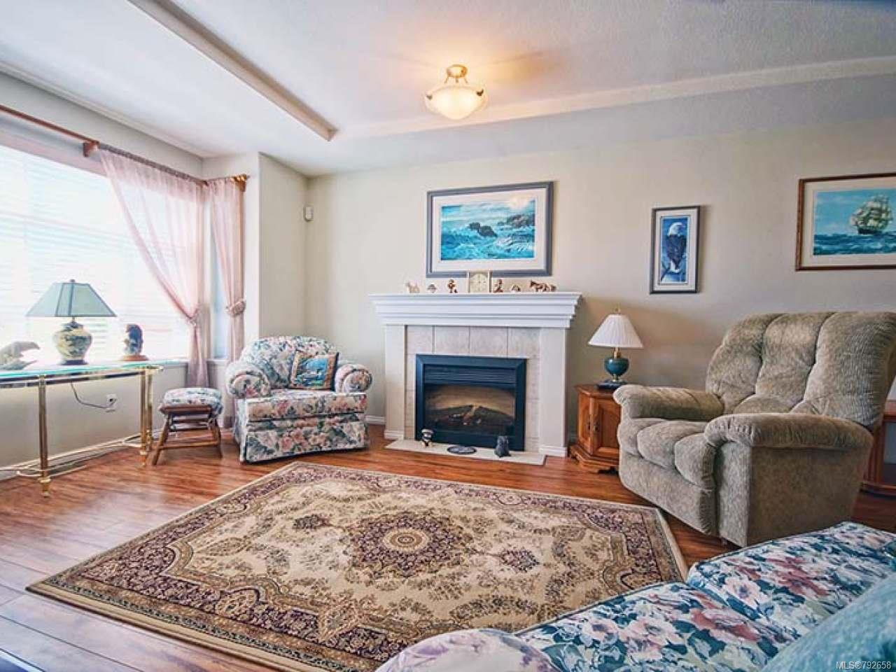Photo 3: Photos: 893 EDGEWARE Avenue in PARKSVILLE: PQ Parksville House for sale (Parksville/Qualicum)  : MLS®# 792658