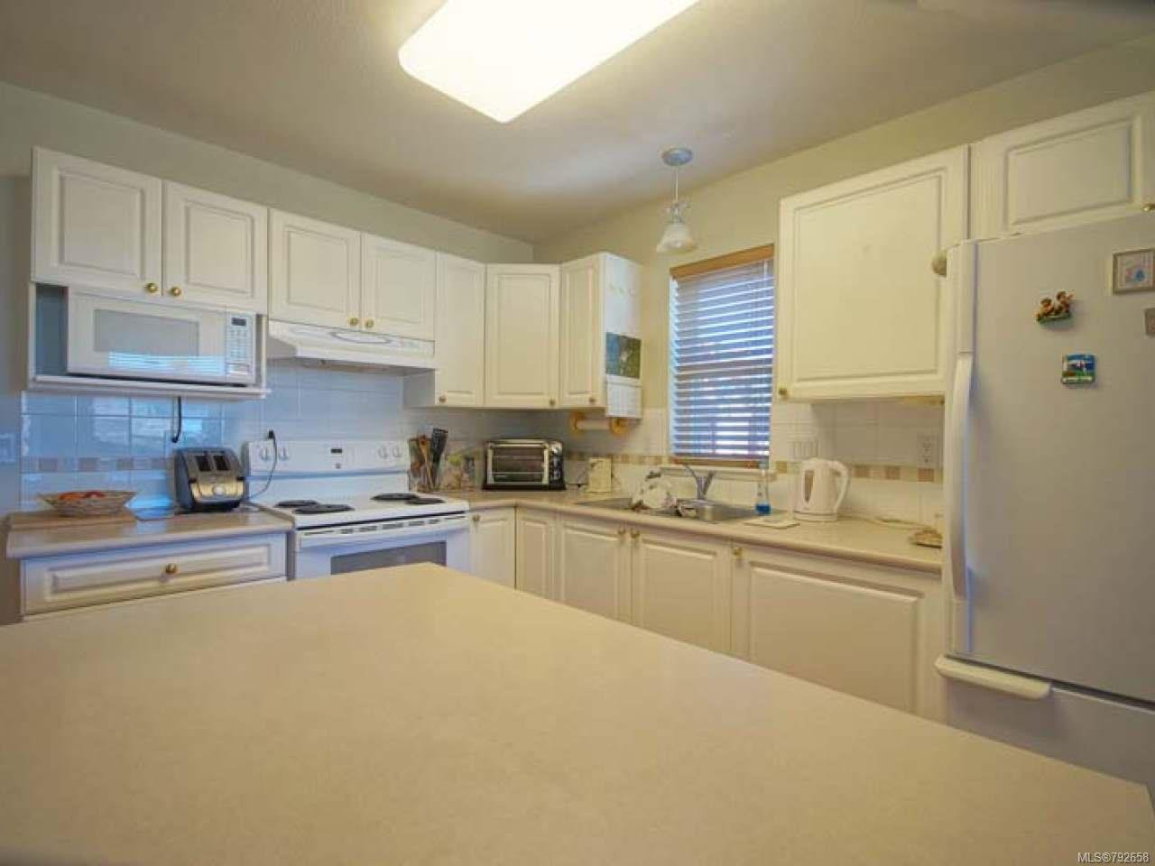 Photo 13: Photos: 893 EDGEWARE Avenue in PARKSVILLE: PQ Parksville House for sale (Parksville/Qualicum)  : MLS®# 792658