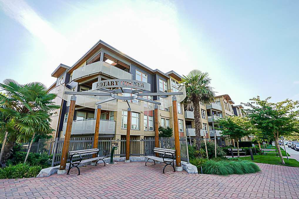 "Main Photo: 205 1166 54A Street in Tsawwassen: Tsawwassen Central Condo for sale in ""Brio"" : MLS®# R2302910"