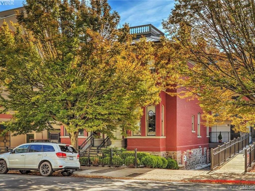 Main Photo: 302 1007 Johnson St in VICTORIA: Vi Downtown Condo for sale (Victoria)  : MLS®# 797839