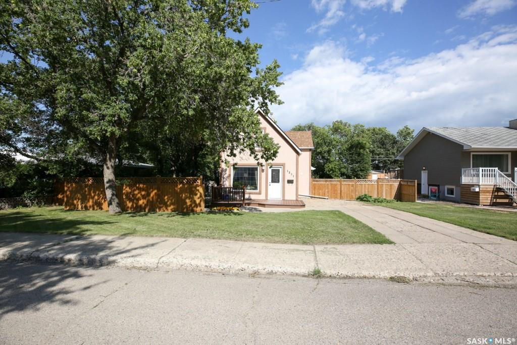 Main Photo: 1331 6th Avenue Northwest in Moose Jaw: Central MJ Residential for sale : MLS®# SK766192