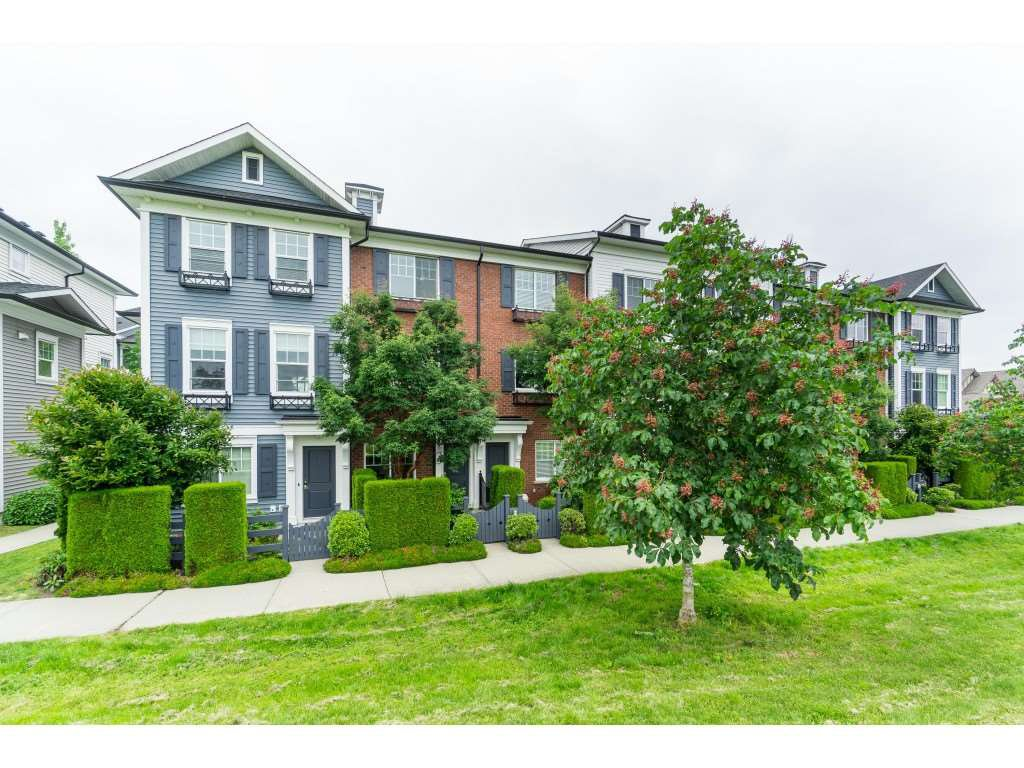 "Main Photo: 16 7348 192A Street in Surrey: Clayton Townhouse for sale in ""The Knoll"" (Cloverdale)  : MLS®# R2373983"