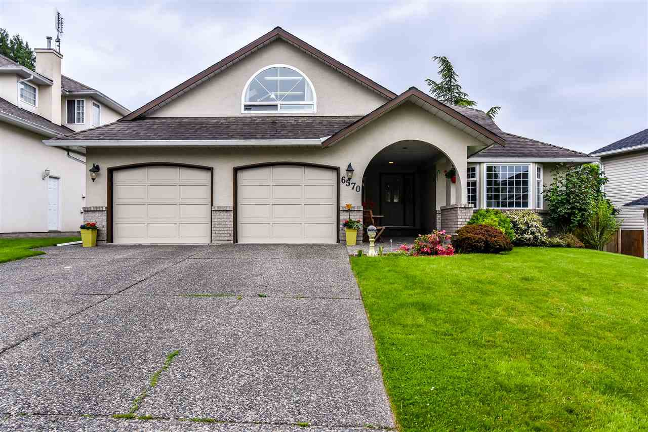"Main Photo: 6570 CLAYTONHILL Place in Surrey: Cloverdale BC House for sale in ""Clayton Hill Estates"" (Cloverdale)  : MLS®# R2374595"