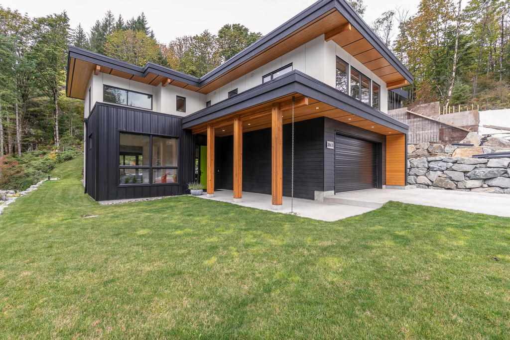 "Main Photo: 38631 HIGH CREEK Place in Squamish: Plateau House for sale in ""Crumpit Woods"" : MLS®# R2457128"