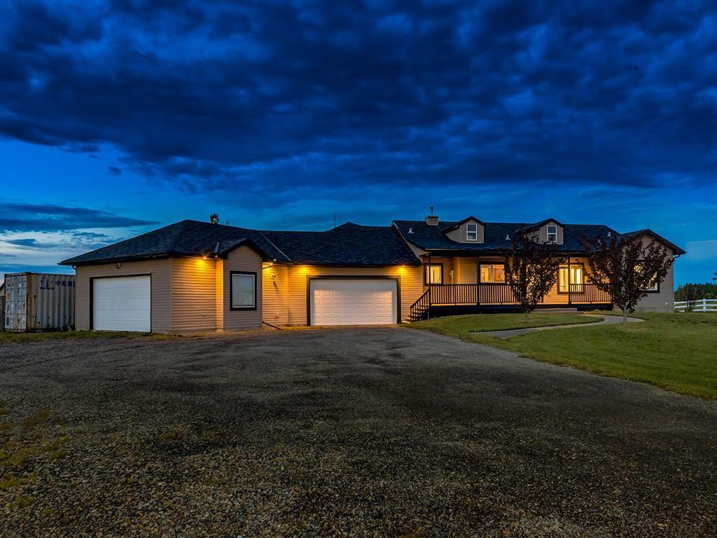 Main Photo: 16 NORTHGLEN Bay in Rural Rocky View County: Rural Rocky View MD Detached for sale : MLS®# C4303650
