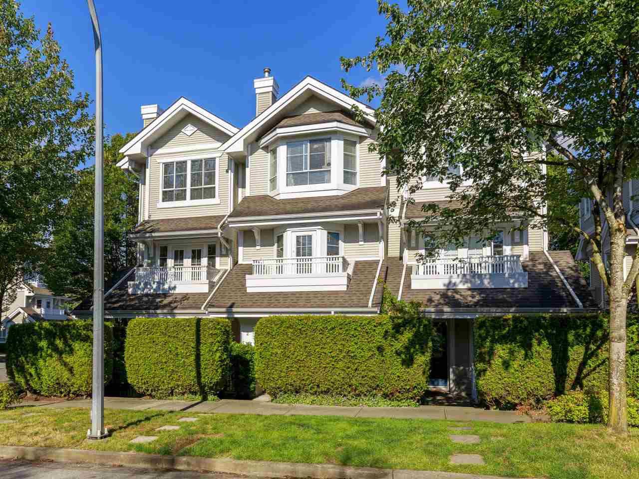 """Main Photo: 2 22000 SHARPE Avenue in Richmond: Hamilton RI Townhouse for sale in """"Richmond Mews"""" : MLS®# R2472490"""