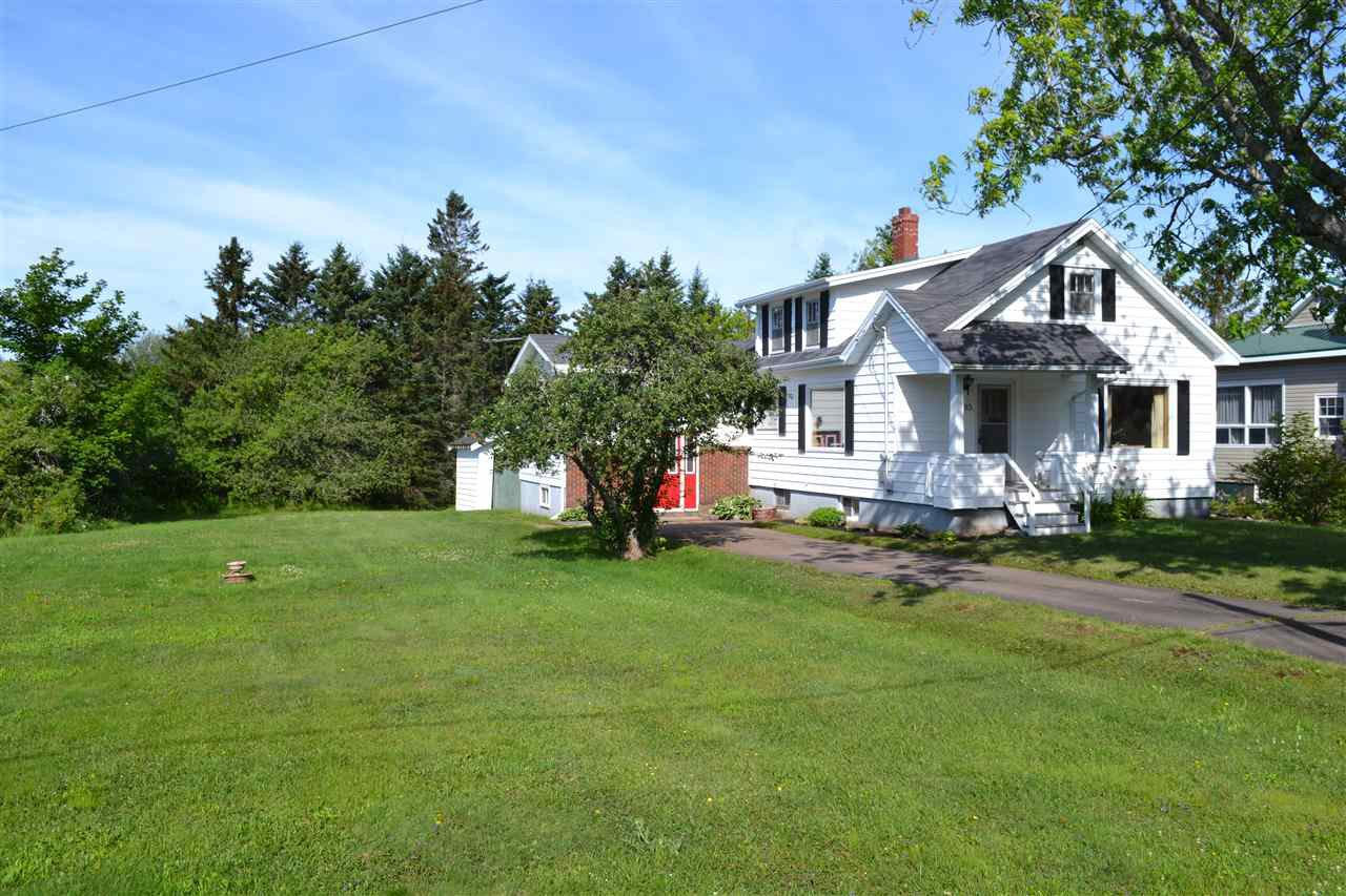 Main Photo: 85 McFarlane Street in Springhill: 102S-South Of Hwy 104, Parrsboro and area Residential for sale (Northern Region)  : MLS®# 202012829