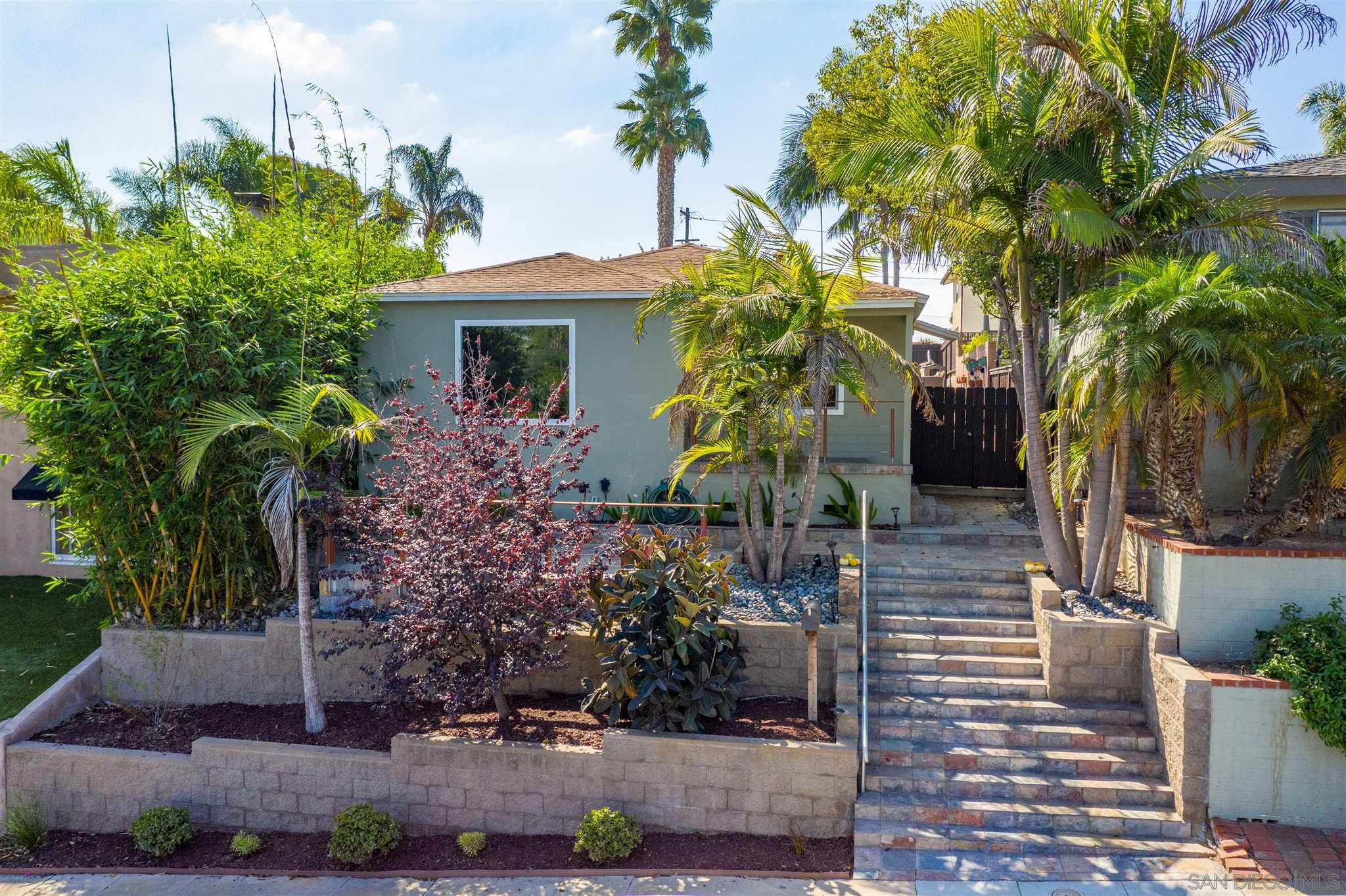 Main Photo: POINT LOMA House for sale : 3 bedrooms : 3609 Wawona Dr in San Diego