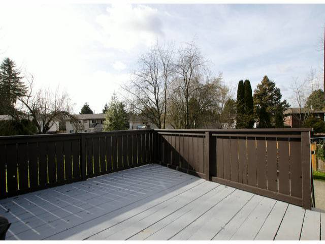 Photo 10: Photos: 7427 TODD Crescent in Surrey: East Newton House for sale : MLS®# F1404397