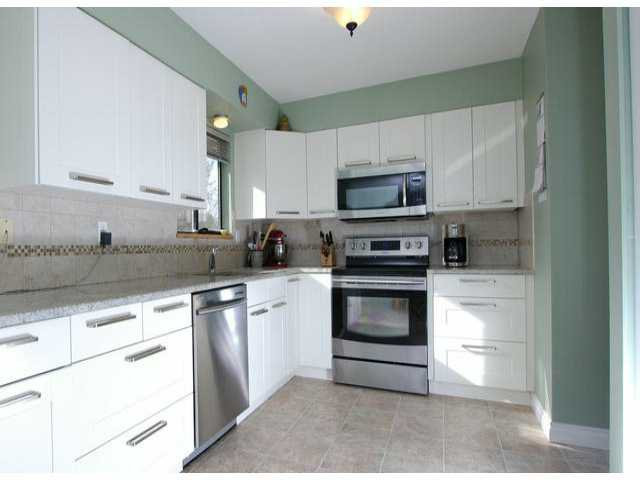 Photo 3: Photos: 7427 TODD Crescent in Surrey: East Newton House for sale : MLS®# F1404397