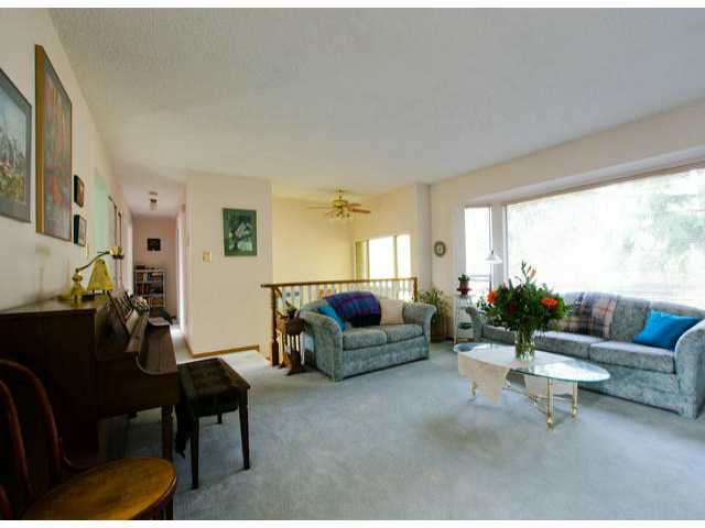 Photo 2: Photos: 7427 TODD Crescent in Surrey: East Newton House for sale : MLS®# F1404397