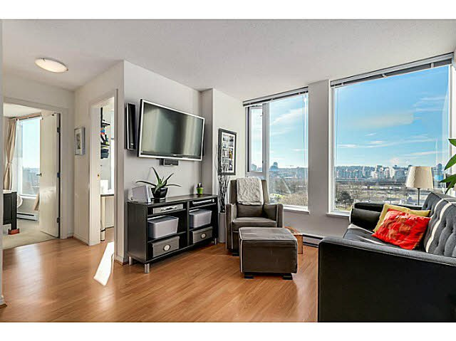 """Main Photo: 810 550 TAYLOR Street in Vancouver: Downtown VW Condo for sale in """"Taylor"""" (Vancouver West)  : MLS®# V1105812"""