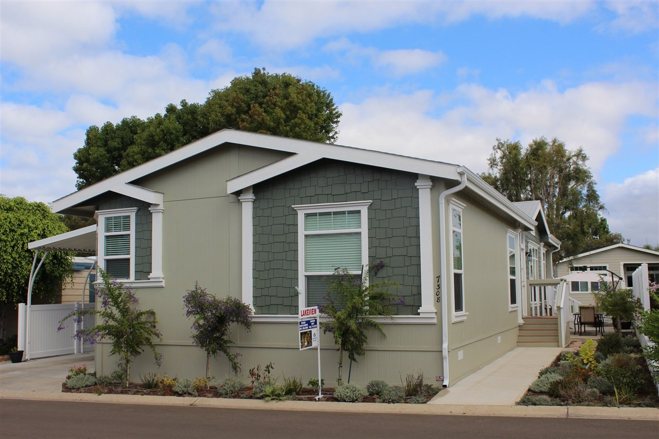 Main Photo: CARLSBAD SOUTH Manufactured Home for sale : 3 bedrooms : 7308 San Luis in Carlsbad