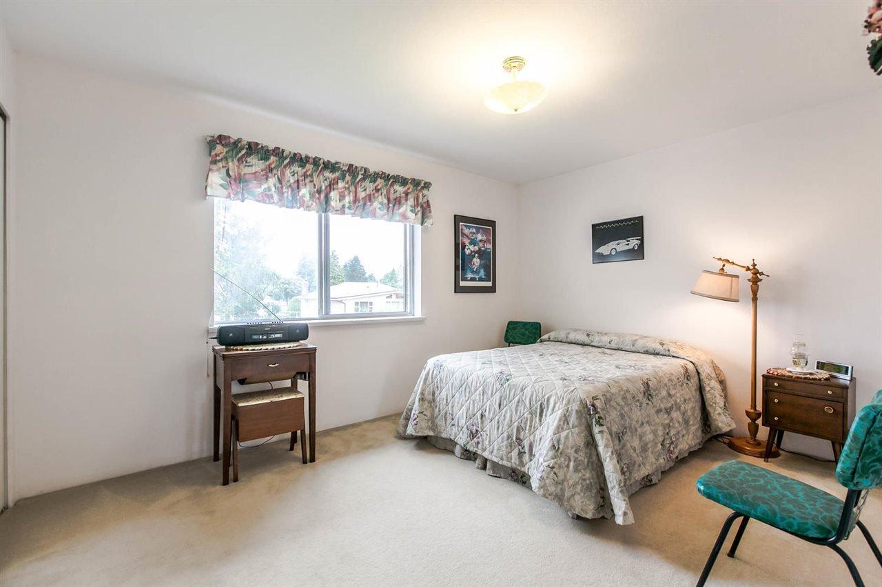 Photo 8: Photos: 1521 REGAN Avenue in Coquitlam: Central Coquitlam House for sale : MLS®# R2087290