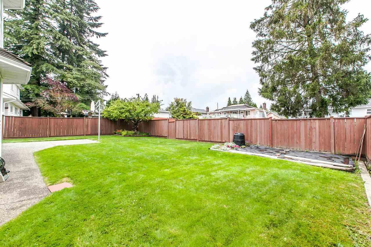 Photo 3: Photos: 1521 REGAN Avenue in Coquitlam: Central Coquitlam House for sale : MLS®# R2087290