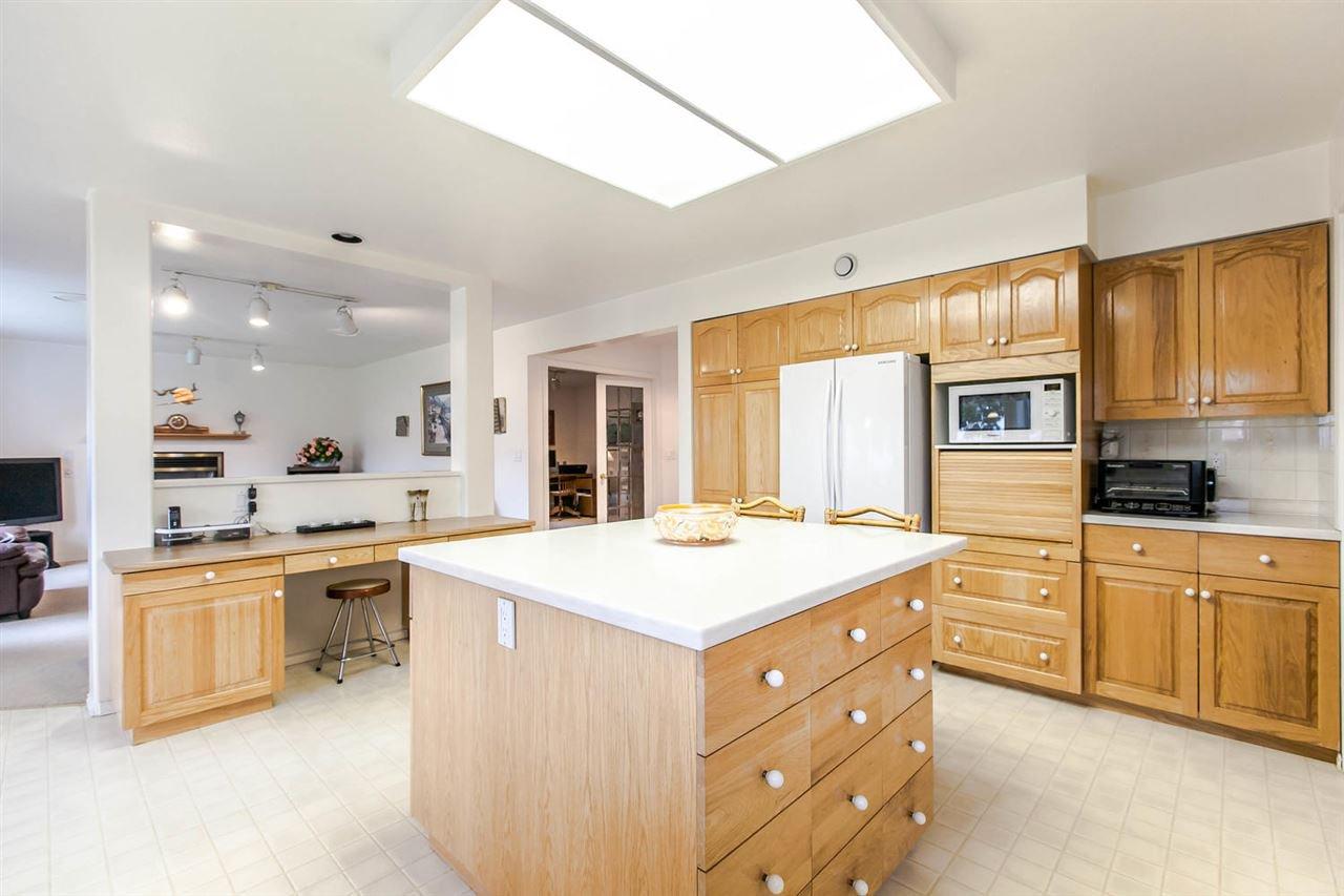 Photo 15: Photos: 1521 REGAN Avenue in Coquitlam: Central Coquitlam House for sale : MLS®# R2087290