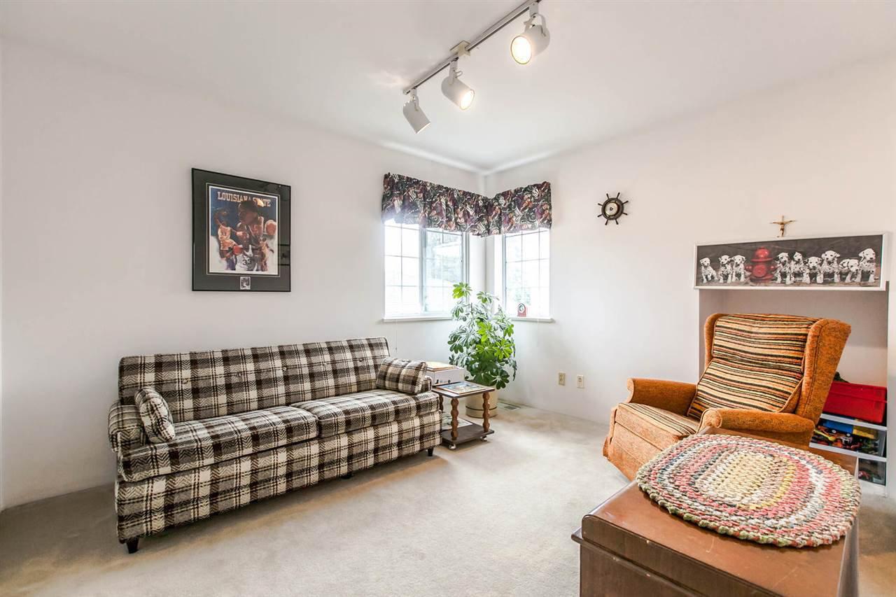 Photo 11: Photos: 1521 REGAN Avenue in Coquitlam: Central Coquitlam House for sale : MLS®# R2087290