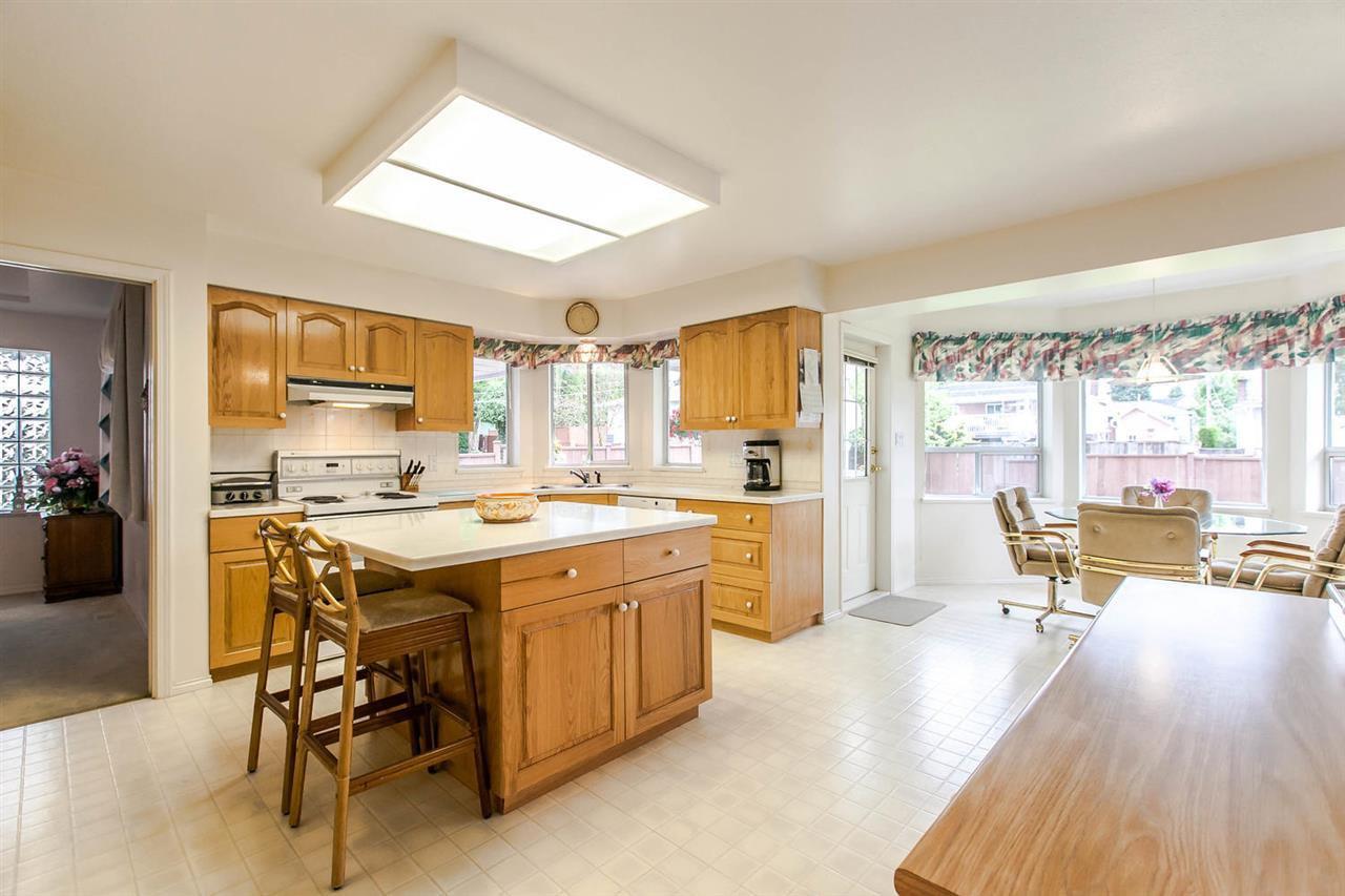 Photo 16: Photos: 1521 REGAN Avenue in Coquitlam: Central Coquitlam House for sale : MLS®# R2087290