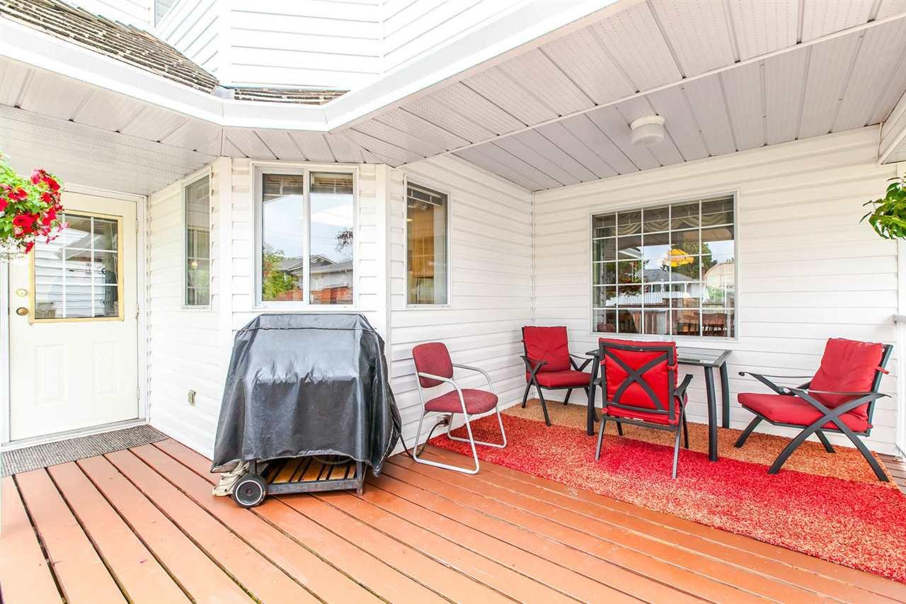 Photo 5: Photos: 1521 REGAN Avenue in Coquitlam: Central Coquitlam House for sale : MLS®# R2087290
