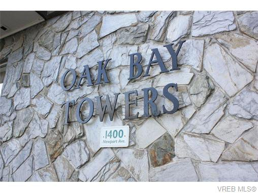 Main Photo: 211 1400 Newport Ave in VICTORIA: OB South Oak Bay Condo for sale (Oak Bay)  : MLS®# 743837