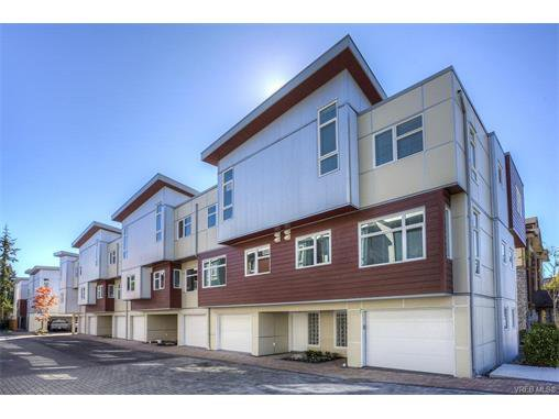 Main Photo: 106 2737 Jacklin Road in VICTORIA: La Langford Proper Townhouse for sale (Langford)  : MLS®# 373447