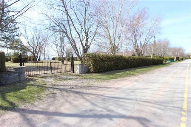Main Photo: 1688 Lakeshore Drive in Ramara: Rural Ramara Property for sale : MLS®# S3763412