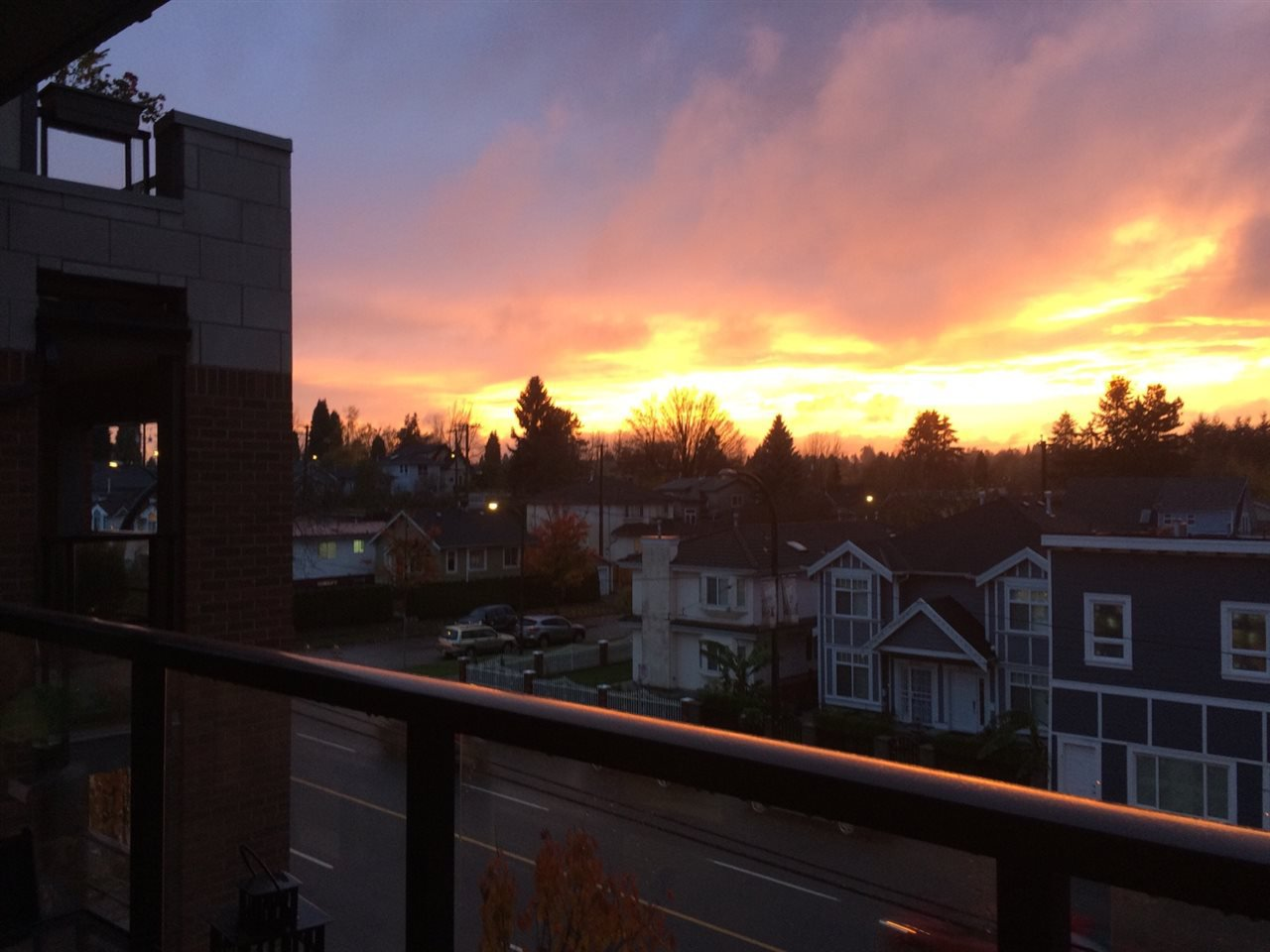 """Photo 13: Photos: 328 4550 FRASER Street in Vancouver: Fraser VE Condo for sale in """"CENTURY"""" (Vancouver East)  : MLS®# R2156771"""