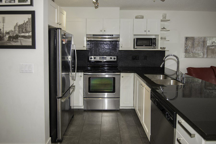 """Photo 8: Photos: 328 4550 FRASER Street in Vancouver: Fraser VE Condo for sale in """"CENTURY"""" (Vancouver East)  : MLS®# R2156771"""