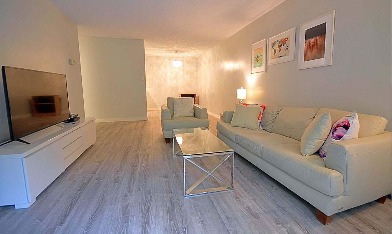 """Photo 2: Photos: 105 620 EIGHTH Avenue in New Westminster: Uptown NW Condo for sale in """"THE DONCASTER"""" : MLS®# R2159908"""