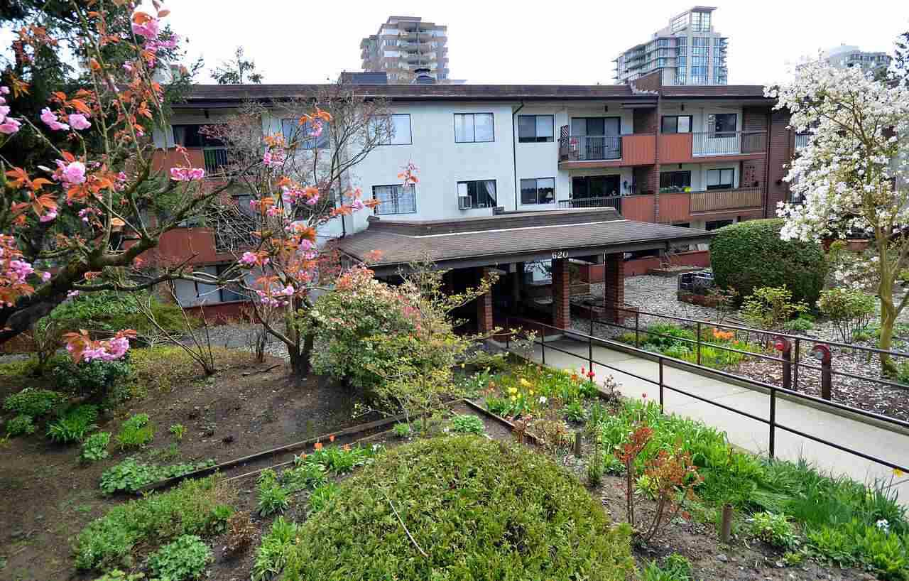 """Photo 8: Photos: 105 620 EIGHTH Avenue in New Westminster: Uptown NW Condo for sale in """"THE DONCASTER"""" : MLS®# R2159908"""