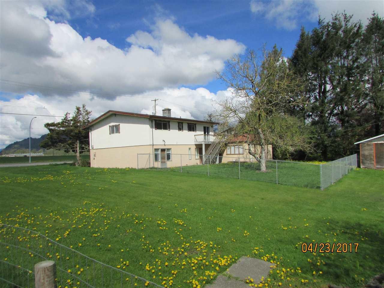 Photo 3: Photos: 7220 EVANS Road in Sardis: Sardis West Vedder Rd House for sale : MLS®# R2160379