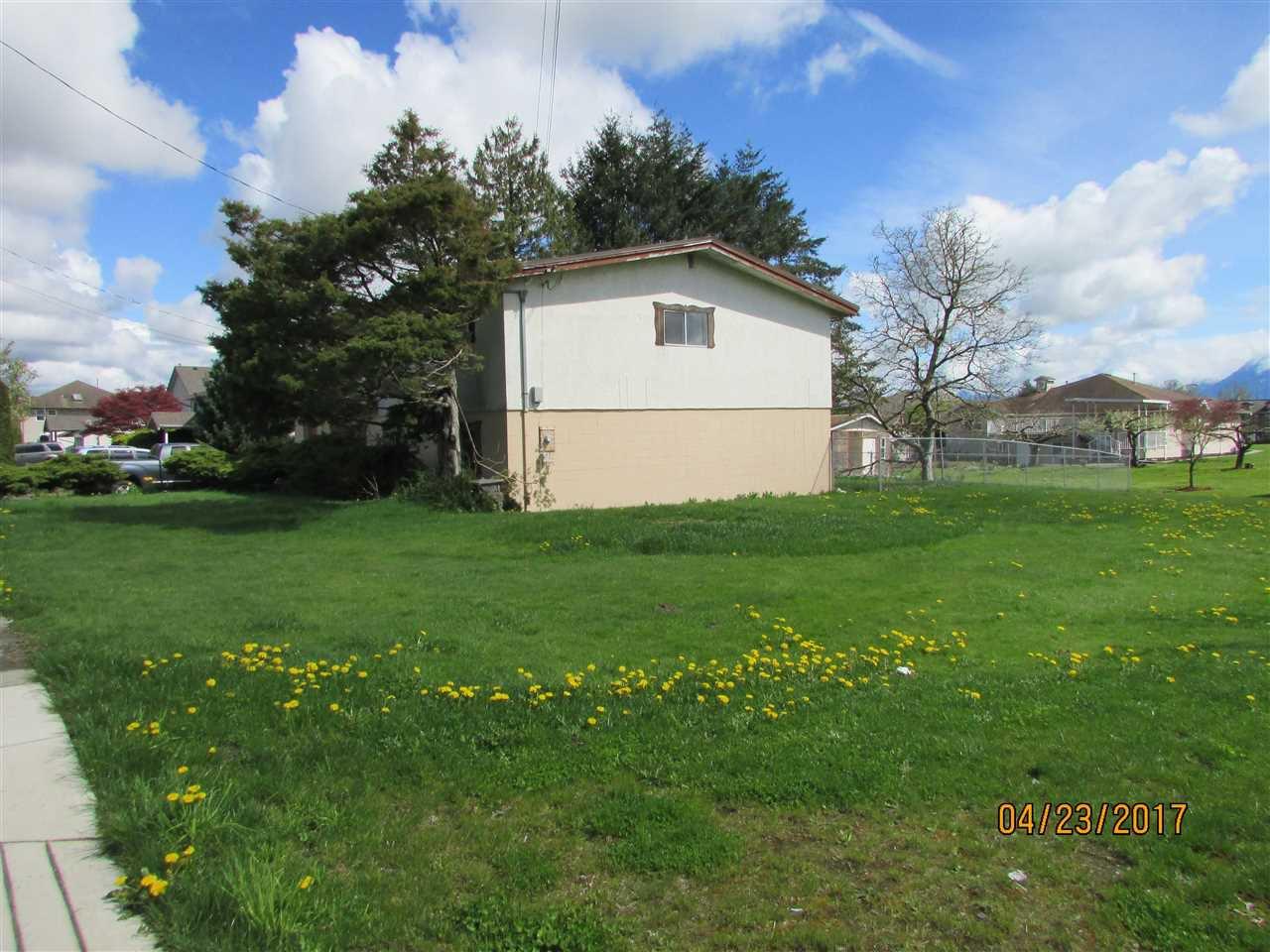 Photo 2: Photos: 7220 EVANS Road in Sardis: Sardis West Vedder Rd House for sale : MLS®# R2160379