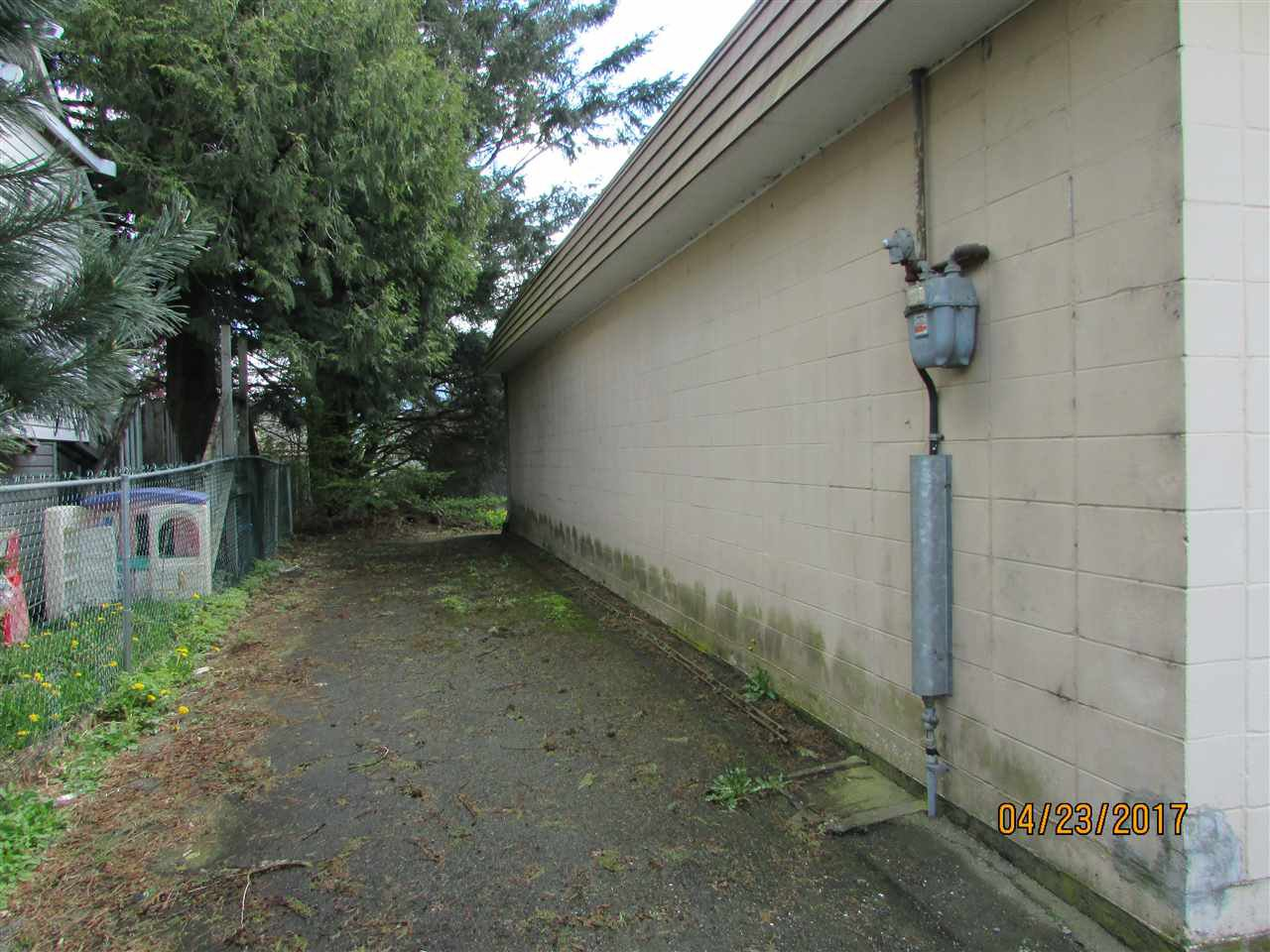 Photo 4: Photos: 7220 EVANS Road in Sardis: Sardis West Vedder Rd House for sale : MLS®# R2160379