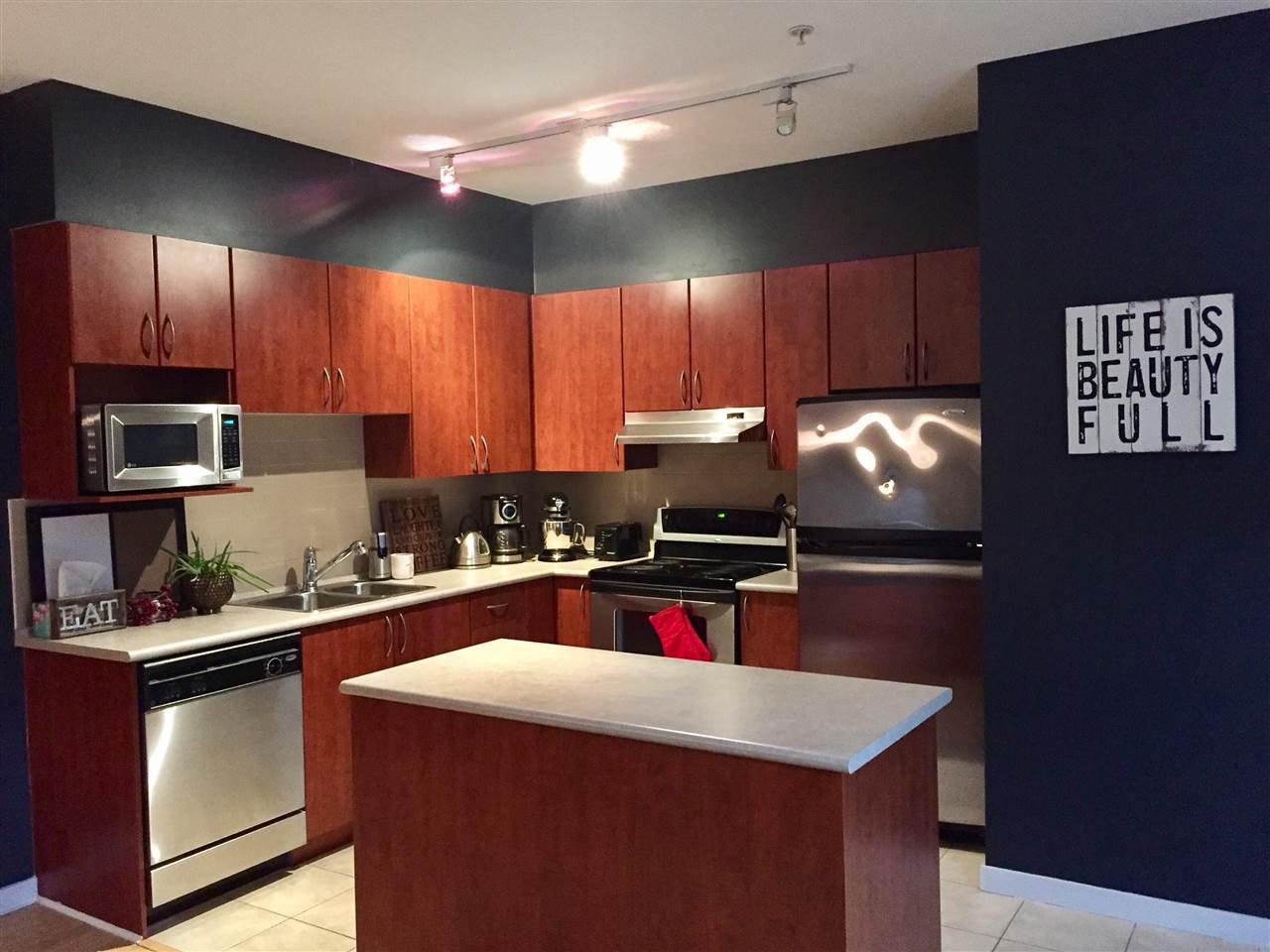 """Main Photo: 315 40437 TANTALUS Road in Squamish: Garibaldi Estates Condo for sale in """"The Spectacle"""" : MLS®# R2163017"""